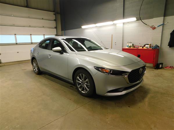 Mazda Mazda3 GS 2019 - image #3