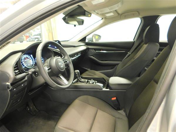 Mazda Mazda3 GS 2019 - image #9