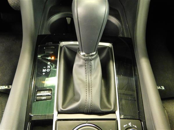 Mazda Mazda3 2019 - Image #13