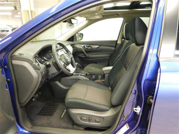 Nissan Rogue SV TOIT PANO 4RM 2019 - image # 8