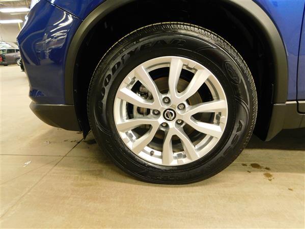 Nissan Rogue SV TOIT PANO 4RM 2019 - image # 24
