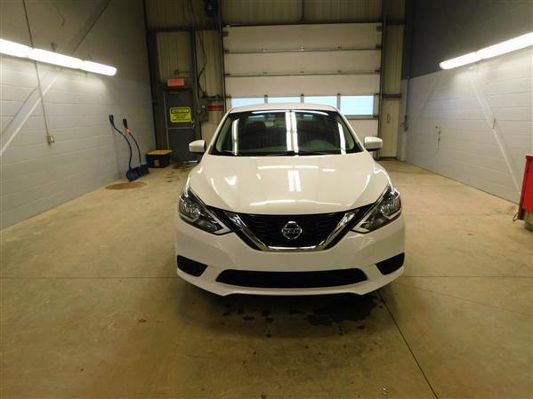 Nissan Sentra 2016 - Image #2