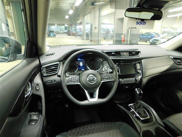 Nissan Rogue SV TOIT PANO 4RM 2019 - image # 11