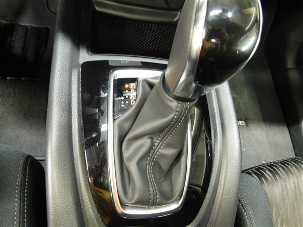 Nissan Rogue SV TOIT PANO 4RM 2019 - image # 12