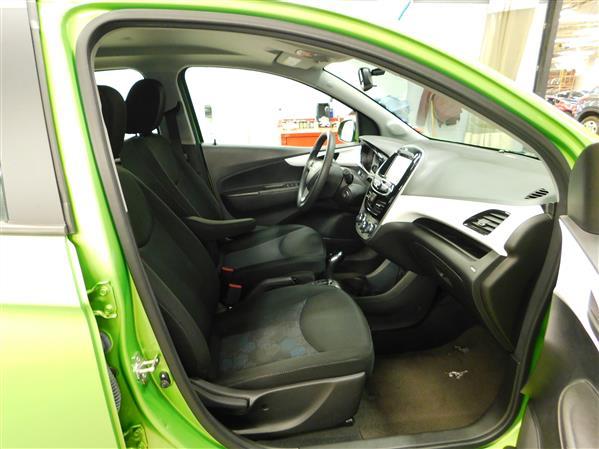 Chevrolet Spark 1LT 2016 - image # 9