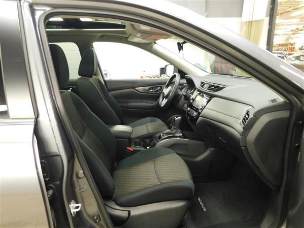 Nissan Rogue SV TOIT PANO 4RM 2019 - image # 9