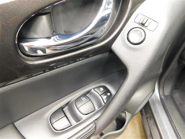 Nissan Rogue SV TOIT PANO 4RM 2019 - image # 21