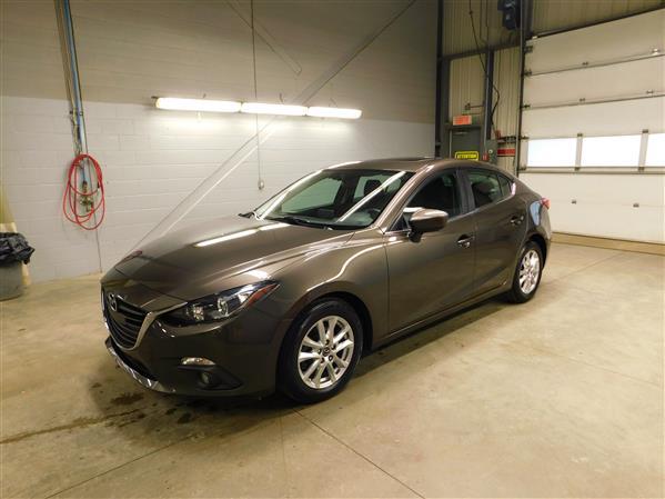 Mazda Mazda3 GS TOIT NAV 2015 - image # 0
