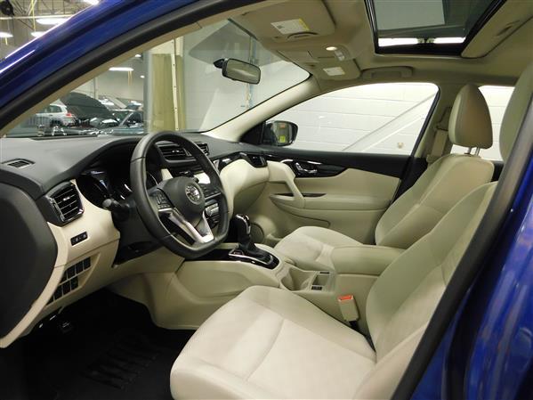 Nissan Qashqai SV TOIT 2018 - image # 8