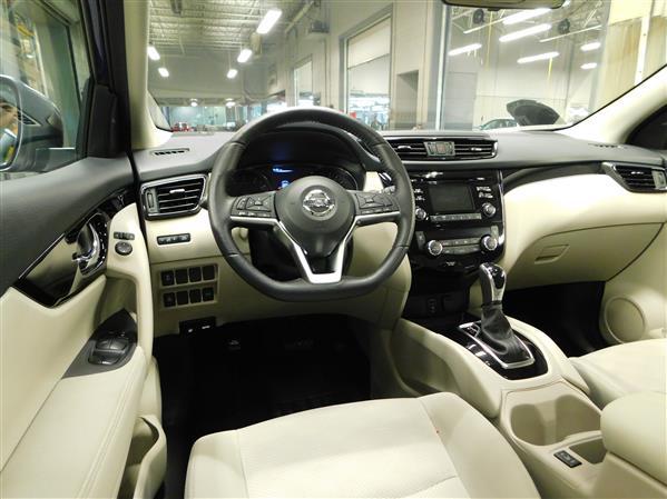 Nissan Qashqai SV TOIT 2018 - image # 11