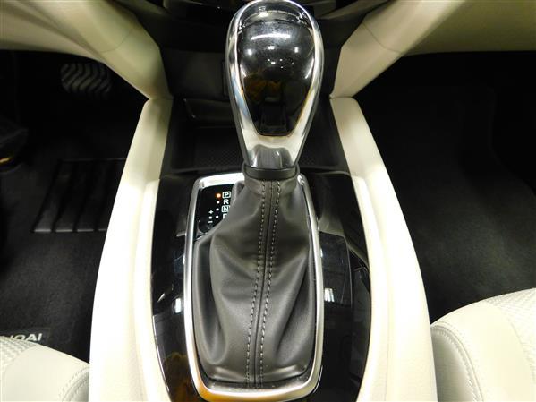 Nissan Qashqai SV TOIT 2018 - image # 13