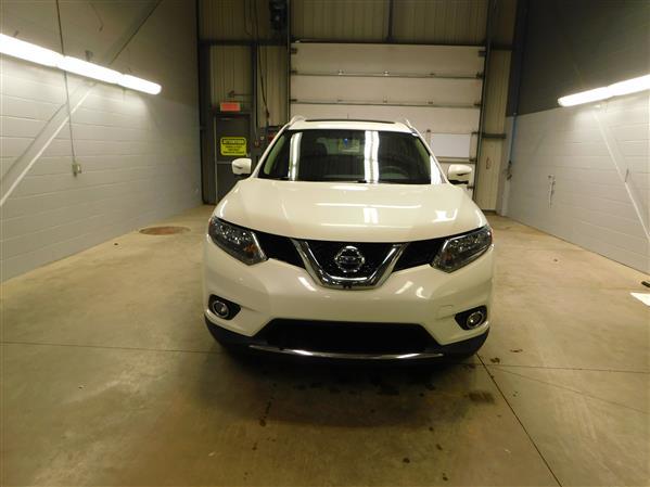Nissan Rogue SV TECH TOIT PANO NAV 4RM 2016 - image # 1
