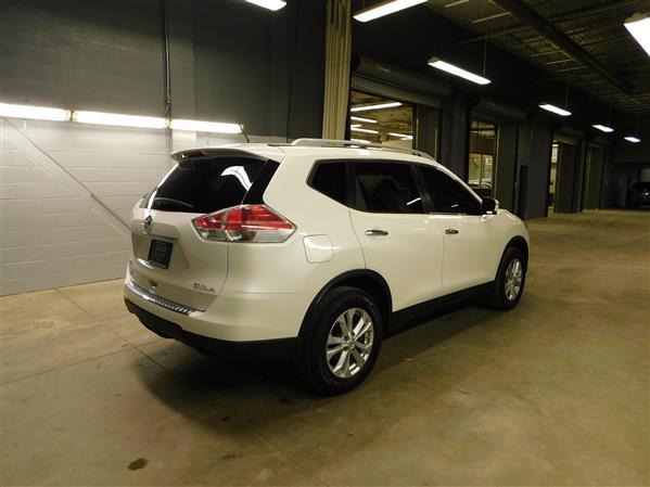 Nissan Rogue SV TECH TOIT PANO NAV 4RM 2016 - image # 3