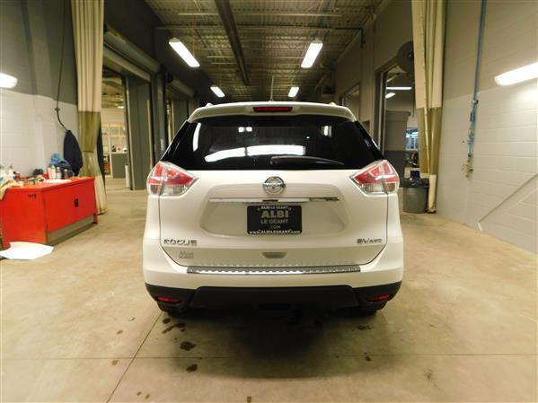 Nissan Rogue SV TECH TOIT PANO NAV 4RM 2016 - image # 4