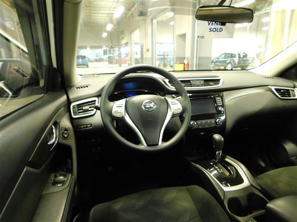 Nissan Rogue SV TECH TOIT PANO NAV 4RM 2016 - image # 12