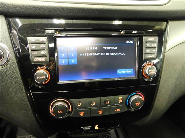 Nissan Rogue SV TECH TOIT PANO NAV 4RM 2016 - image # 16