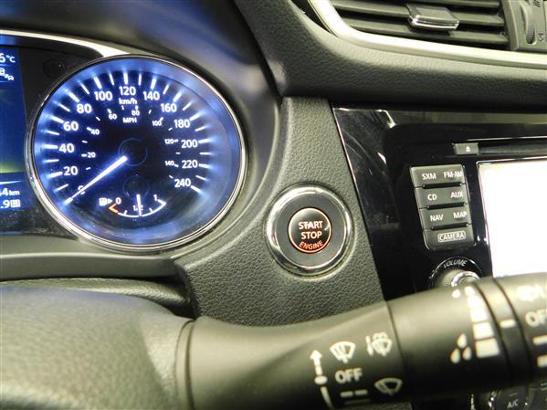 Nissan Rogue SV TECH TOIT PANO NAV 4RM 2016 - image # 19