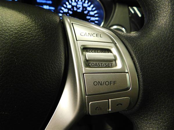 Nissan Rogue SV TECH TOIT PANO NAV 4RM 2016 - image # 21