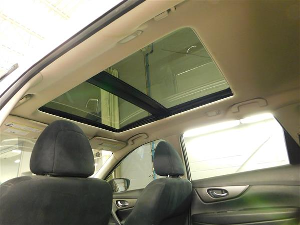 Nissan Rogue SV TECH TOIT PANO NAV 4RM 2016 - image # 25
