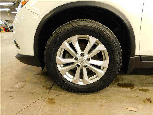 Nissan Rogue SV TECH TOIT PANO NAV 4RM 2016 - image # 26