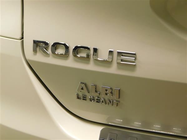 Nissan Rogue SV TECH TOIT PANO NAV 4RM 2016 - image # 28