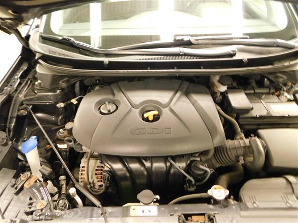 Hyundai Elantra GT 2016 - Image #7