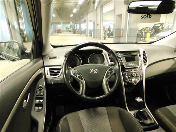 Hyundai Elantra GT 2016 - Image #12