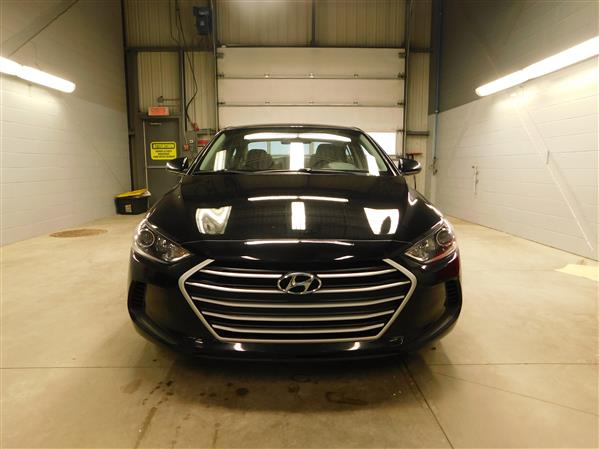Hyundai Elantra 2017 - Image #2
