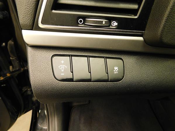 Hyundai Elantra 2017 - Image #18