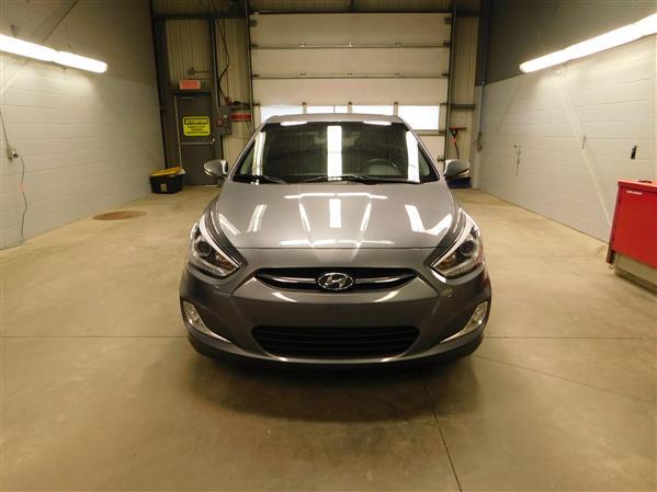 Hyundai Accent 2016 - Image #2