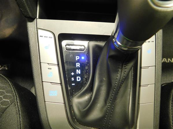 Hyundai Elantra 2019 - Image #13