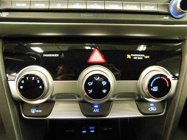 Hyundai Elantra 2019 - Image #16
