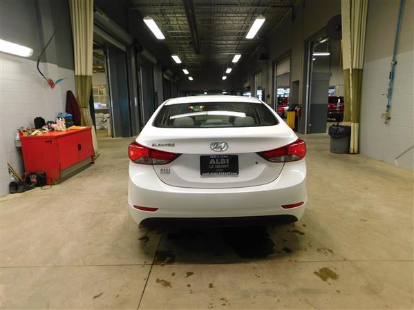 Hyundai Elantra 2016 - Image #5