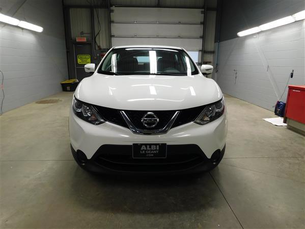 Nissan Qashqai 2017 - Image #2