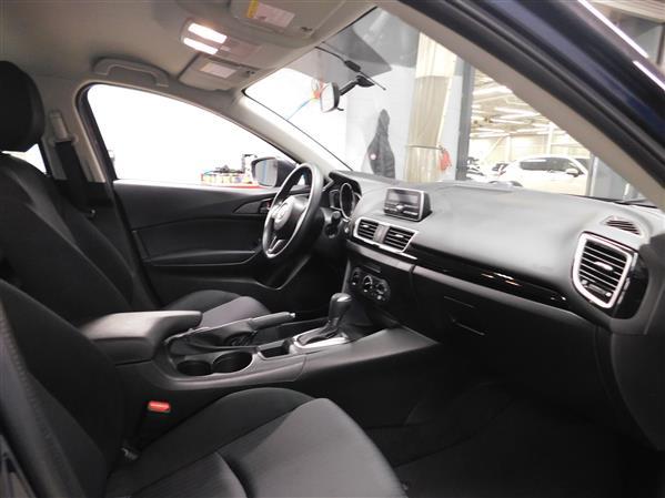Mazda Mazda3 2015 - Image #10
