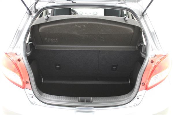 Mazda Mazda2 2014 - Image #8