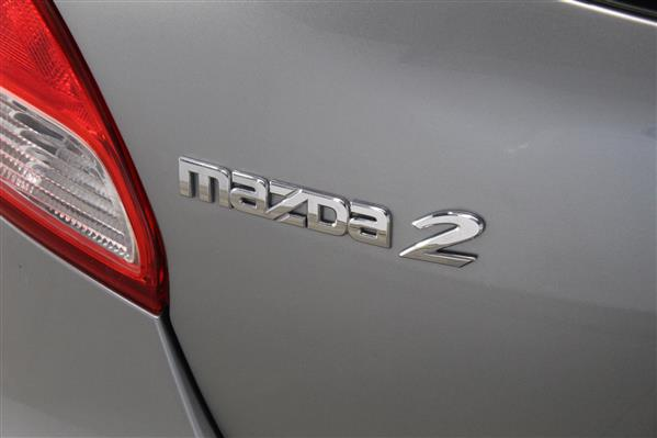 Mazda Mazda2 2014 - Image #18