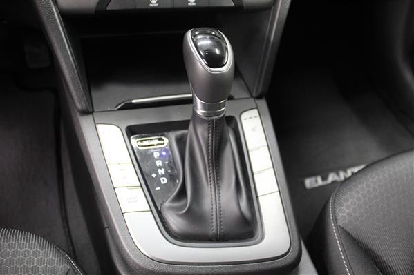 Hyundai Elantra 2018 - Image #13