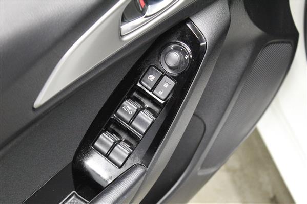 Mazda Mazda3 2018 - Image #21