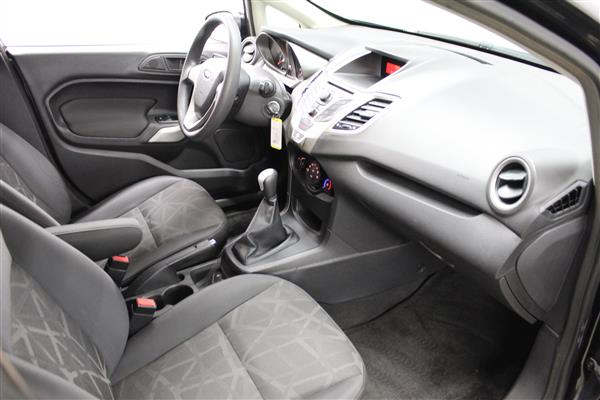 Ford Fiesta 2012 - Image #8