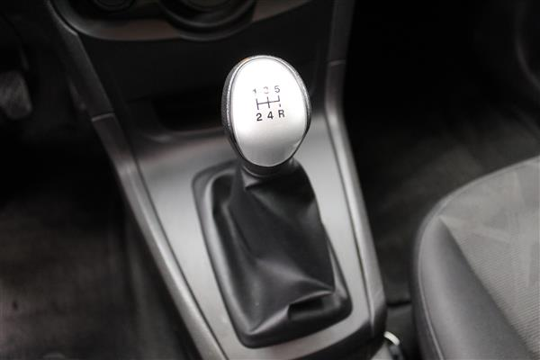Ford Fiesta 2012 - Image #13